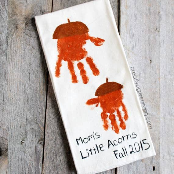 acorn handprint craft for toddlers