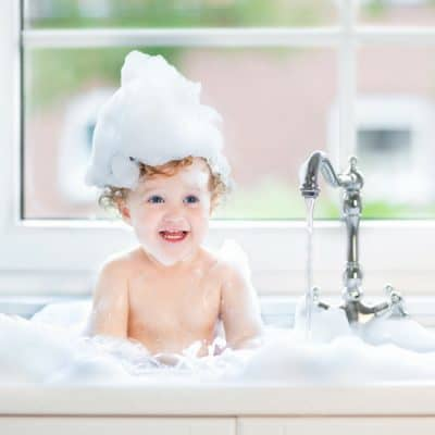 The Ultimate Guide for How to Bathe a Baby