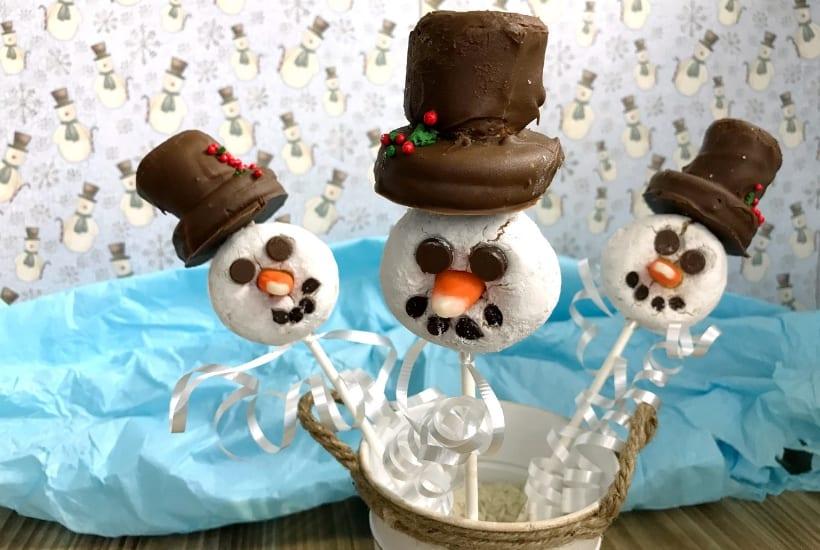 snowman doughnut pop
