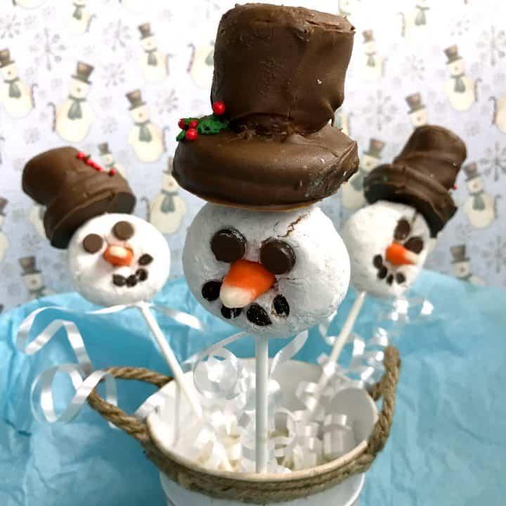 Snowman Doughnut Pops